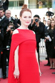 Julianne Moore Stills at Everybody Knows Premiere and Opening Ceremony at 2018 Cannes Film Festival 2018/05/08 7