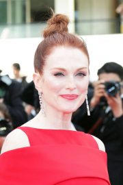 Julianne Moore Stills at Everybody Knows Premiere and Opening Ceremony at 2018 Cannes Film Festival 2018/05/08 8