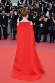 Julianne Moore Stills at Everybody Knows Premiere and Opening Ceremony at 2018 Cannes Film Festival 2018/05/08 15