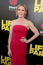 Julie Bowen Stills at Life of the Party Premiere in Auburn 2018/04/30 7