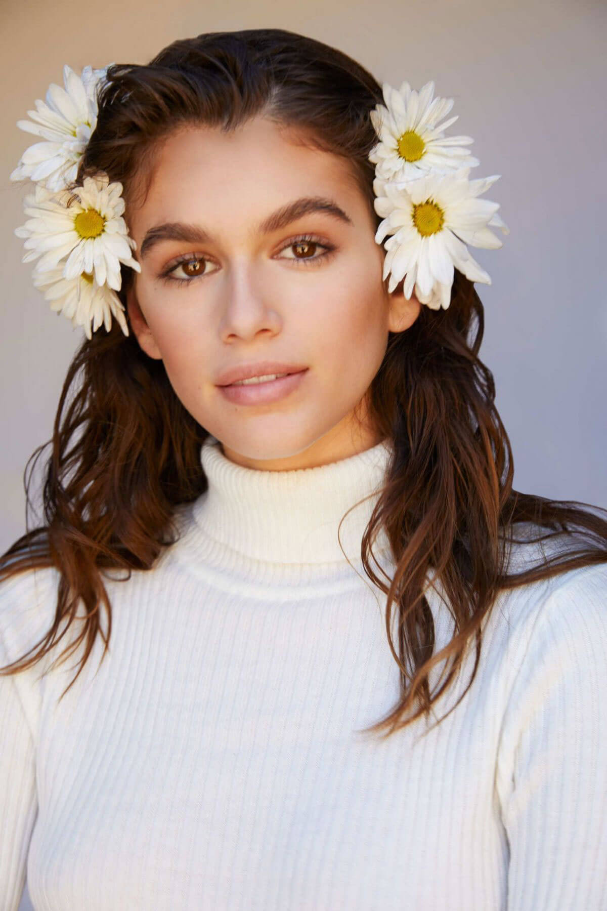 Kaia Gerber Poses for Marc Jacobs Daisy Love Fragrance, Spring 2018 Issue 3