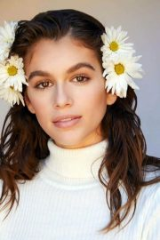 Kaia Gerber Poses for Marc Jacobs Daisy Love Fragrance, Spring 2018 Issue 5