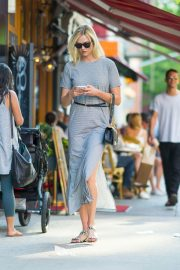Karlie Kloss Out and About in New York 2018/05/25 8
