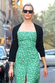 Karlie Kloss Stills Out and About in New York 2018/05/01 13