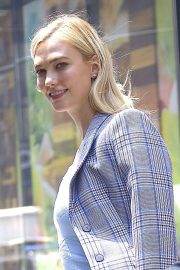 Karlie Kloss Stills Out and About in New York 2018/05/09 8