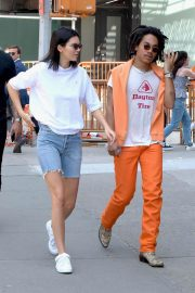 Kendall Jenner Stills in Denim Shorts Out in New York 2018/05/09 8