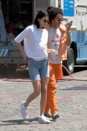 Kendall Jenner Stills in Denim Shorts Out in New York 2018/05/09 9