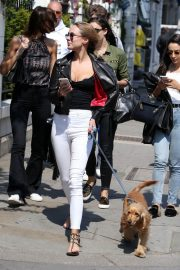 Kimberley Garner Stills Out with Her Dog in London 2018/05/23 1