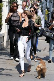 Kimberley Garner Stills Out with Her Dog in London 2018/05/23 2
