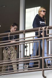 Kristen Stewart and Stella Maxwell Out for Sushi in Hollywood 2018/05/24 2