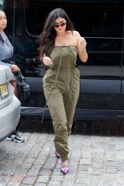 Kylie Jenner Stills Out and About in New York 2018/05/06 3
