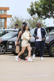 Kylie Jenner Stills Out for Lunch in Malibu 2018/05/19 8