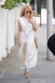 Kylie Minogue Heading to Chiltern Firehouse in London 2018/05/26 6