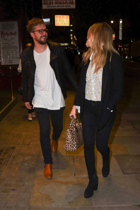 Laura Whitmore Arrives at Kinky Boots Gala Performance in London 2018/05/29 4