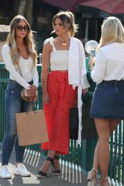 Lauren Pope Chloe Lewis and Amber Turner Stills on the Set of Towle in Chelmsford 2018/05/15 1