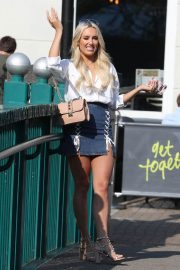 Lauren Pope Chloe Lewis and Amber Turner Stills on the Set of Towle in Chelmsford 2018/05/15 3