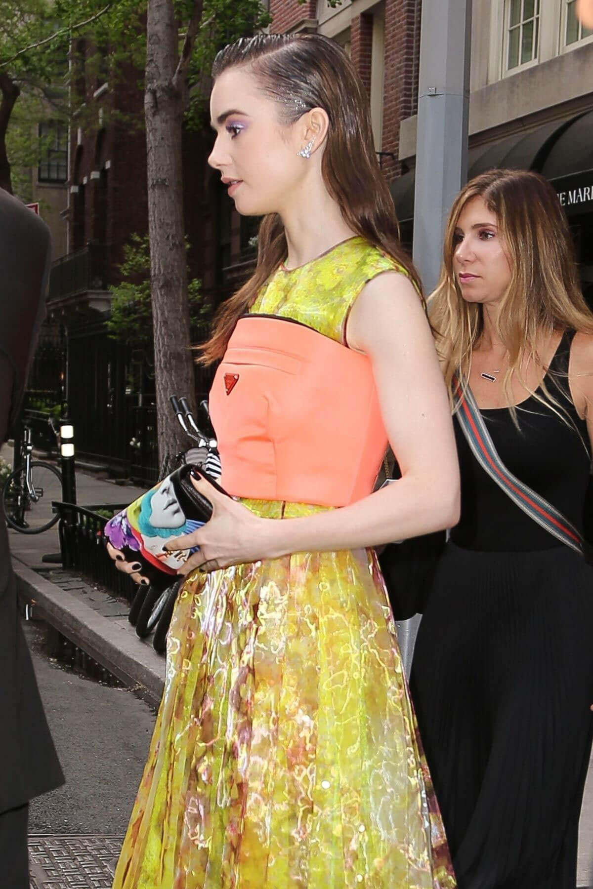 Lily Collins Stills Out and About in New York 2018/05/09 10
