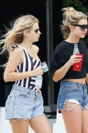 LOTTIE MOSS and TINA STINNES at a Kebab Store in Ushuaia 2018/05/25 4