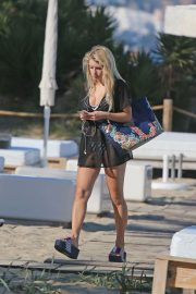 Lottie Moss Stills Out at a Beach in Ibiza 2018/05/23 3