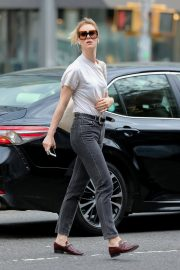 Mackenzie Davis Stills Out and About in New York 2018/05/04 6