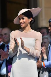 Meghan Markle Stills at a Garden Party at Buckingham Palace in London 2018/05/22 7