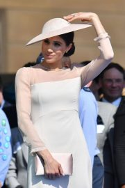 Meghan Markle Stills at a Garden Party at Buckingham Palace in London 2018/05/22 10