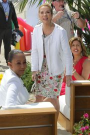 Melanie Brown at Today Show Hosted by Kathie Gifford & Hoda at Venice Beach 2018/05/25 7