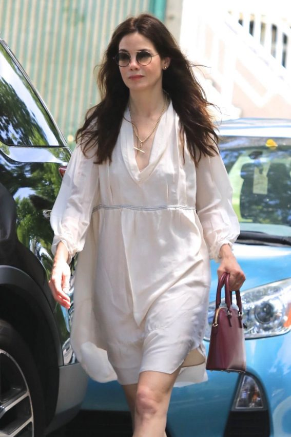 Michelle Monaghan Stills Out Shopping in Los Angeles 2018/05/05 3