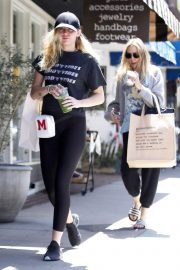 Miley Cyrus Stills Out Shopping in Studio City 2018/05/16 9