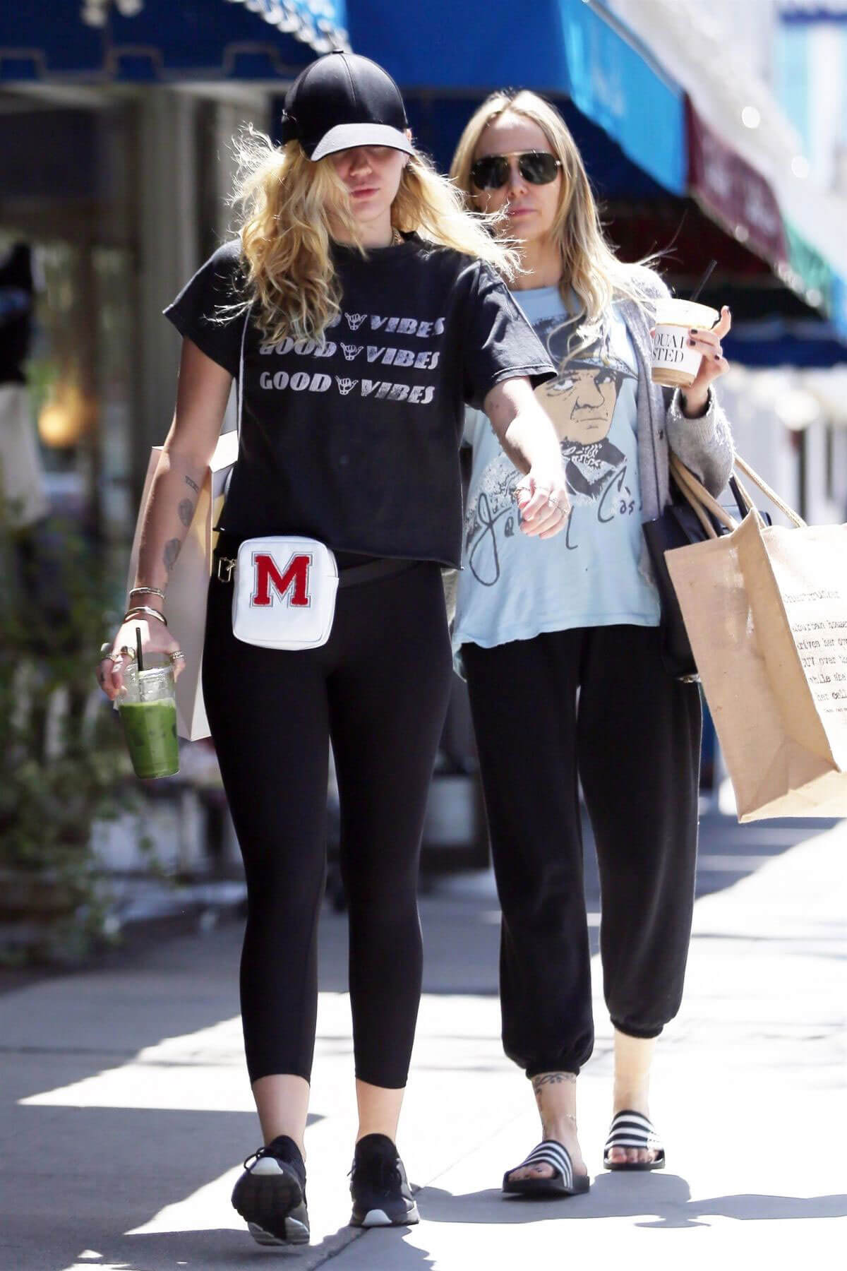 Miley Cyrus Stills Out Shopping in Studio City 2018/05/16 13
