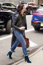 Morena Baccarin Stills in Jeans Out in New York 2018/05/16 3