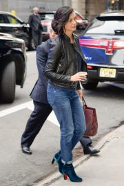 Morena Baccarin Stills in Jeans Out in New York 2018/05/16 8