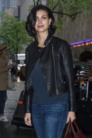 Morena Baccarin Stills in Jeans Out in New York 2018/05/16 12