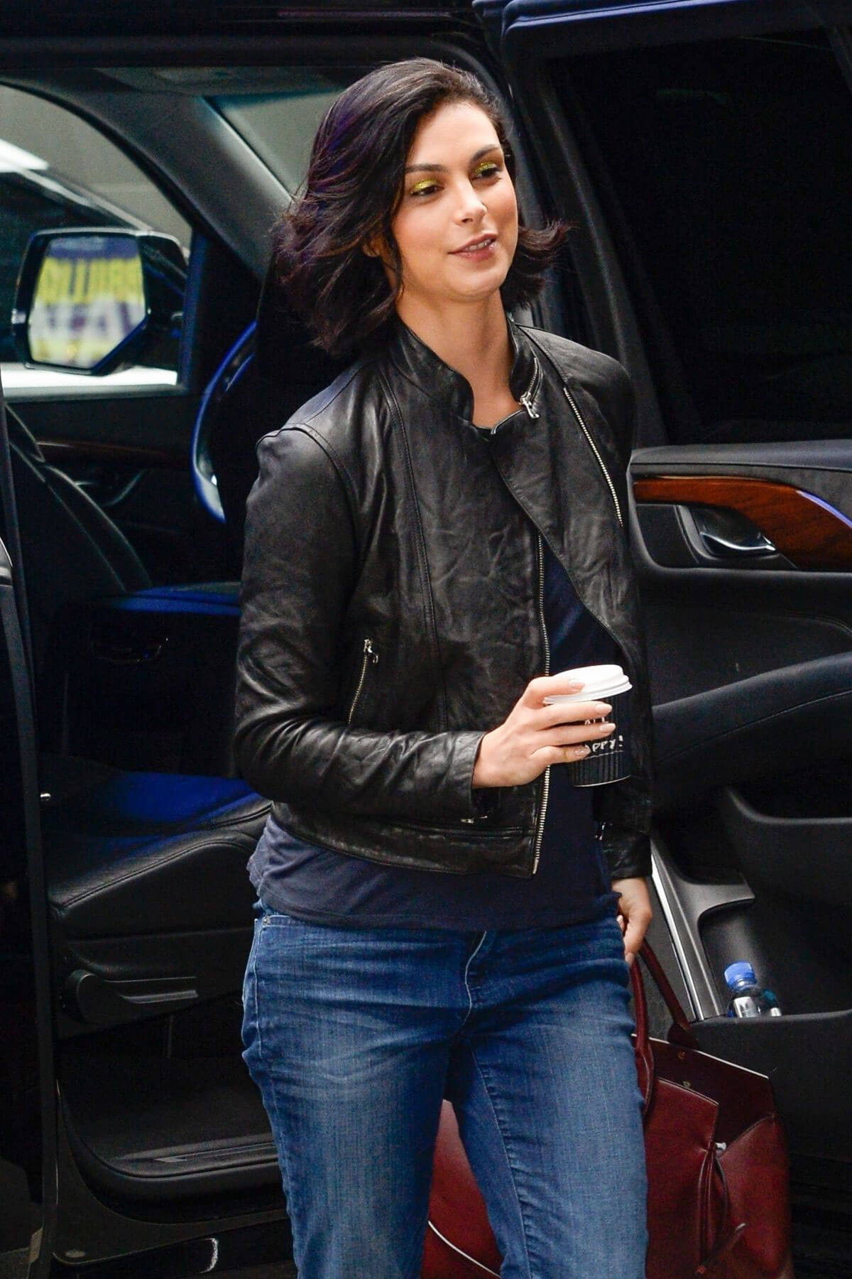 Morena Baccarin Stills in Jeans Out in New York 2018/05/16 13