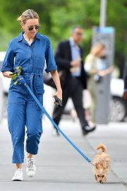 Naomi Watts Stills in Blue Jeans Jumper Out with Her Dog in New York 2018/05/22 10
