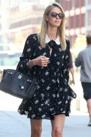 Nicky Hilton Rothschild Stils Out and About in New York 2018/05/01 5