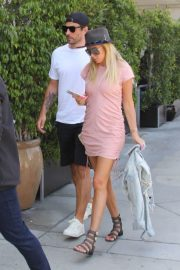 Petra Ecclestone and Sam Palmer Stills Out for Lunch in Beverly Hills 2018/05/17 1