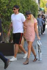 Petra Ecclestone and Sam Palmer Stills Out for Lunch in Beverly Hills 2018/05/17 3