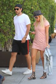Petra Ecclestone and Sam Palmer Stills Out for Lunch in Beverly Hills 2018/05/17 7