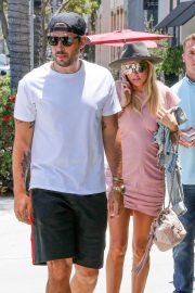 Petra Ecclestone and Sam Palmer Stills Out for Lunch in Beverly Hills 2018/05/17 11