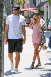 Petra Ecclestone and Sam Palmer Stills Out for Lunch in Beverly Hills 2018/05/17 16