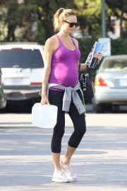 Pregnant Stacy Keibler Stills at Bristol Farms in Beverly Hills 2018/05/23 14