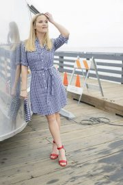 Reese Witherspoon Poses for Draper James Summer 2018 Collection 2018/05/17 4