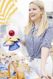Reese Witherspoon Poses for Draper James Summer 2018 Collection 2018/05/17 7