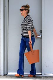 Reese Witherspoon Stills Leaves a Fitting Studio in Beverly Hills 2018/05/04 8