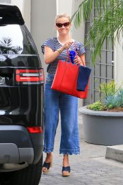 Reese Witherspoon Stills Out in Los Angeles 2018/05/10 10