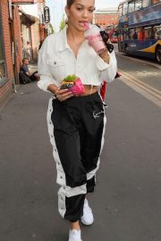 Rita Ora Stills Out for Lunch in Manchester 2018/05/15 3
