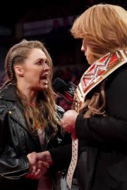 Ronda Rousey and Nia Jax with Stephanie McMahon for Signing for WWE Money in the Bank 2018/05/21 3