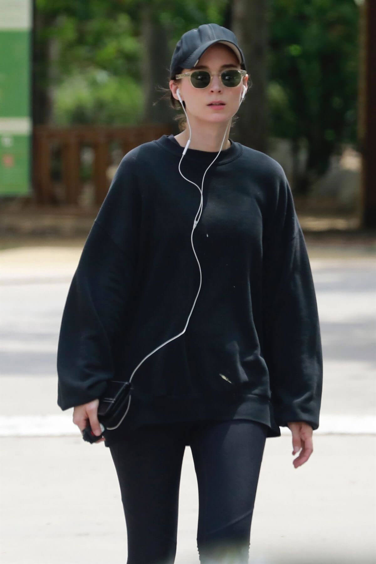Rooney Mara Out at TreePeople Park in Beverly Hills 2018/05/26 4