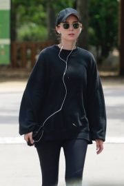 Rooney Mara Out Hiking at TreePeople Park in Beverly Hills 2018/05/26 12